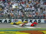 Ya en su primer año en IRL/IndyCar, Castroneves logró dos triunfos (uno en Indy), pero fue subcampeón por primera vez, siendo derrotado por Sam Hornish Jr. (FOTO: Archivo)