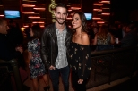 Alexander Rossi con su novia Kelly Mossop (FOTO: Chris Owens/IMS, LLC Photo)