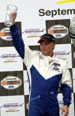 Salo, ex Fórmula 1, le dio el primero de 28 podiums al equipo, en la caótica carrera en las calles de Miami (FOTO: Archivo)