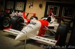 El modelo Dallara IR-01-Oldsmobile Aurora V8 con el que Helio Castroneves ganó su primera Indy 500, en 2001.