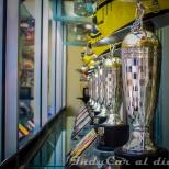 """Team Penske ha ganado las """"500 Millas de Indianapolis"""" en 16 ocasiones; por ende, tras cada edición se les otorgaron réplicas del trofeo Borg Warner, denominadas """"Baby Borg""""."""