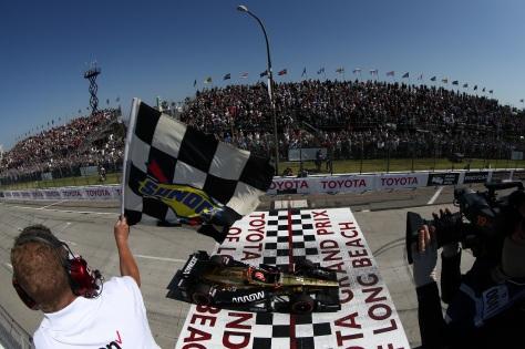 Hinchcliffe ganó en Long Beach, con lo que llegó a 5 triunfos en IndyCar (FOTO: Chris Jones/INDYCAR)