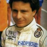 """El precursor de los que emigraron a Estados Unidos fue Fermín Vélez, quien además de correr en dos Indy 500's (décimo en 1997) y la carrera inaugural de la IRL en 1996, ganó las """"12 Horas de Sebring"""". Murió en 2003, víctima de cáncer (FOTO: Facebook Homenaje a Fermín Vélez)"""