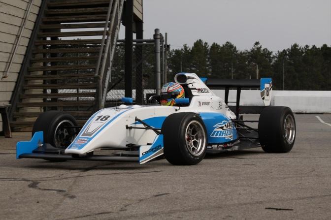Debutó el nuevo chassis de la Pro Mazda