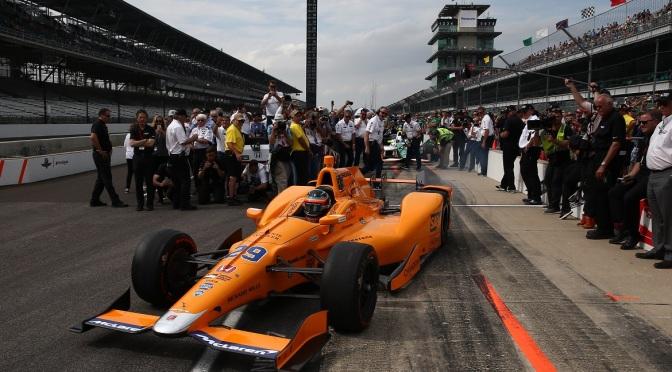 Cambio de motor de última hora para Alonso