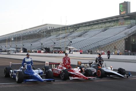 Serviá inició en la tercera posición en 201, junto a Scott Dixon y Alex Tagliani (FOTO: Jim Haines/INDYCAR)