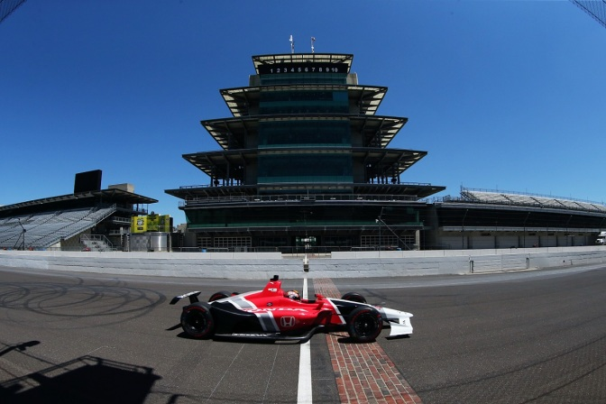 Servia (FOTO: Chris Jones/INDYCAR)