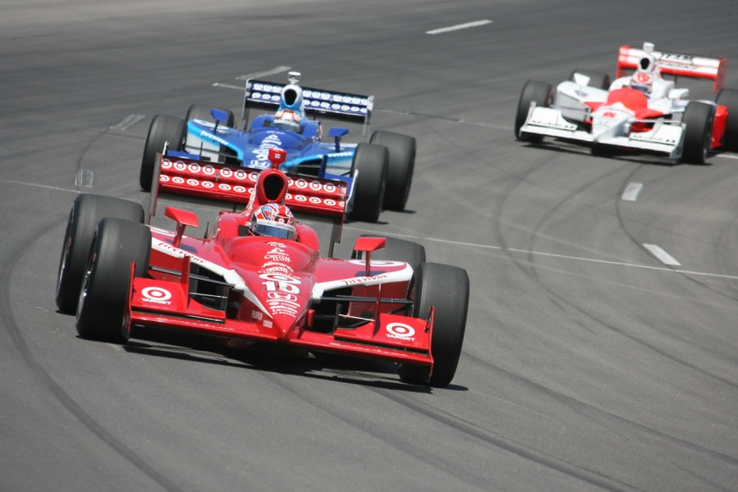 Dan Wheldon, con Chip Ganassi Racing, logró el triunfo el 22 de junio de 2008, siendo uno de los pocos a lo largo de la historia en ganar una prueba de la especialidad en el día de su cumpleaños (FOTO: INDYCAR)