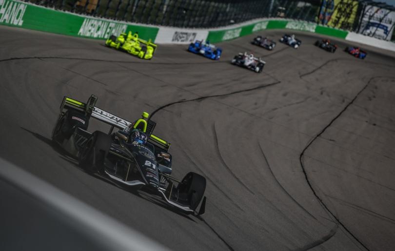En 2016, Josef Newgarden implantó el récord de más vueltas lideradas en una competencia de la especialidad: 282. Así, se quedó con su primer éxito en circuitos de tipo oval, además de ser el último con Ed Carpenter Racing (FOTO: Shawn Gritzmacher/INDYCAR)