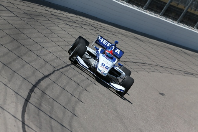 Lights: Primera pole de Herta en Iowa