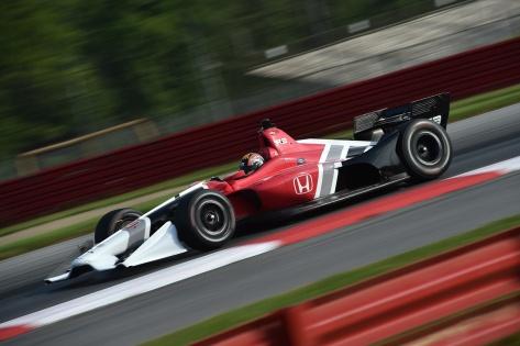 Serviá maneja con asistencia de Schmidt Peterson Motorsports y Honda (FOTO: Chris Owens/INDYCAR)