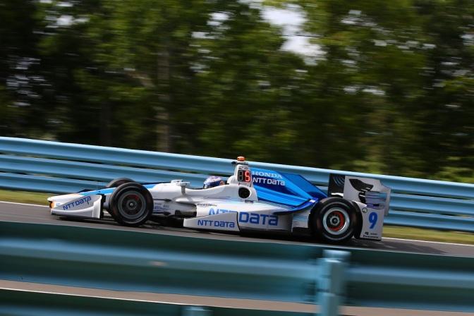 Dixon supera a Power en segunda práctica