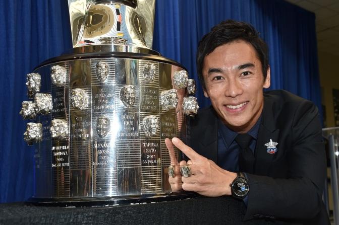 GALERÍA: El rostro de Sato ya es inmortal