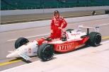 Arie Luyendyk ostenta, desde 1997, el récord de velocidad en clasificaciones, el cual obtuvo con un monoplaza Reynard 96-Ford Cosworth XB (FOTO: Indianapolis Motor Speedway)