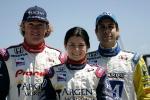 La estadounidense fue promovida en Rahal Letterman, para debutar en la IRL/IndyCar en 2005; como coequiperos, tuvo a Buddy Rice (izq.) y Vitor Meira (der.). FOTO: Archivo