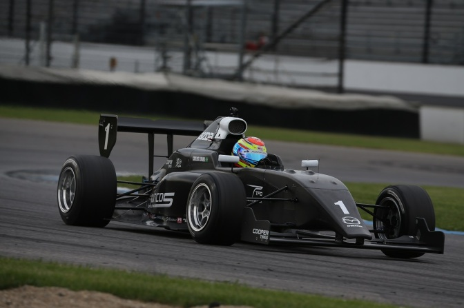 Los pilotos de Juncos Racing en Pro Mazda