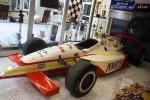 La única victoria de Foyt como propietario en Indianapolis tras su retiro fue en 1999, gracias al sueco Kenny Bräck, al volante de este Brack's Dallara IR9-Oldsmobile Aurora V8. A pesar de que tomó el liderato en la penúltima vuelta, había liderado 66 giros (FOTO: Eduardo Olmos)