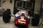 Foyt también probó fortuna con autos construidos por el legendario Team Lotus. Creado en 1964, el modelo 34 que no utilizaron Jim Clark y Dan Gurney, pasó a manos de Parnelli Jones, quien ganó una competencia de USAC. En 1965, Foyt logró la pole position de la Indy 500 con promedio récord de 259.479 km/h; sin embargo, una rotura de transmisión lo obligó a abandonar, no sin antes liderar las 10 vueltas que no encabezó Clark rumbo a su victoria (FOTO: Eduardo Olmos)