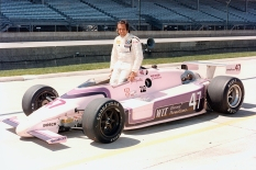 """Tras su increíble paso por la Fórmula 1, Emerson Fittipaldi debutó el 1 de abril de 1984 en Long Beach, California, con GTS Racing, finalizando en quinto lugar. En ese año, debutó en las """"500 Millas de Indianapolis"""" mientras su equipo, dirigido por José Luis Romero y Tim Bell, se rebautizó a """"W.I.T. Racing"""", en el que Emerson hizo su debut en la Indy 500, aunque abandonó (FOTO: IMS Photo)"""