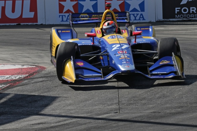 Pole para Rossi en Long Beach