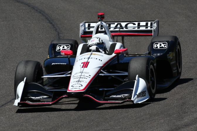 Penske lidera accidentado viernes en Barber