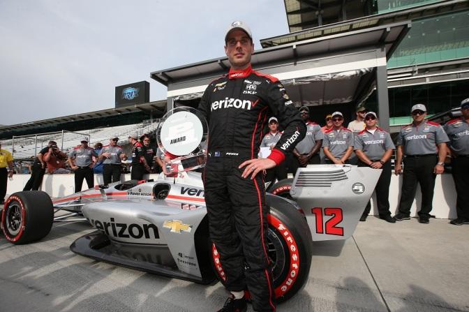Power abre su cuenta de pole positions