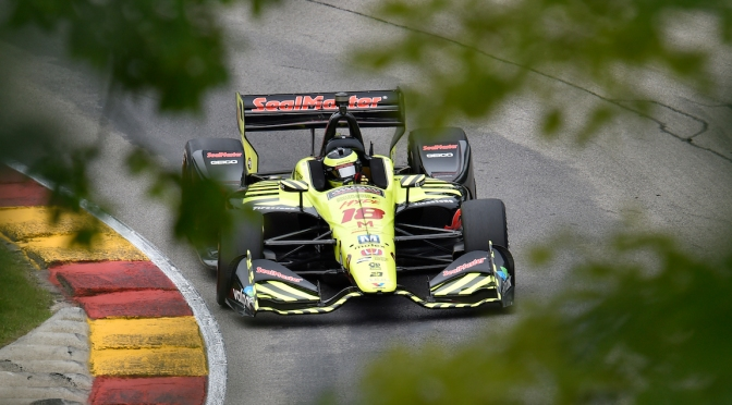 Bourdais lidera accidentada práctica matutina