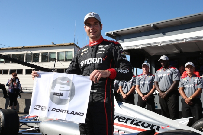 Power logra pole en Portland