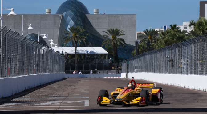 Hunter-Reay lidera viernes en St. Petersburg