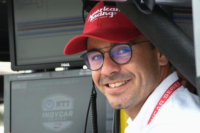 Serviá regresa a Schmidt Peterson para Indy 500