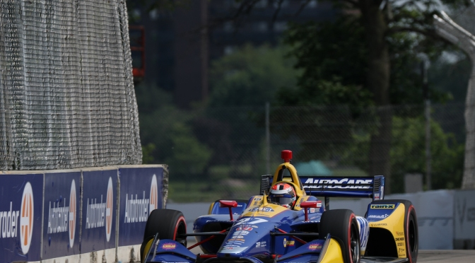 Rossi encabeza viernes en Detroit