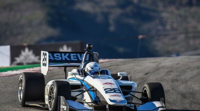 Askew se corona en la Indy Lights