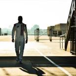 Jimmie Johnson llegando al Indianapolis Motor Speedway para su prueba con Chip Ganassi Racing (FOTO: Chris Owens/INDYCAR)