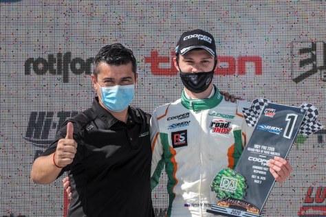 Victoria de Petrov y Juncos en Indy Pro 2000 (FOTO: Road to Indy)
