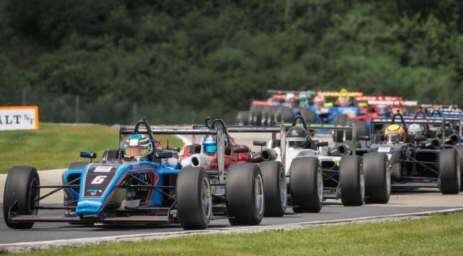 USF2000 (FOTO: Road to Indy)