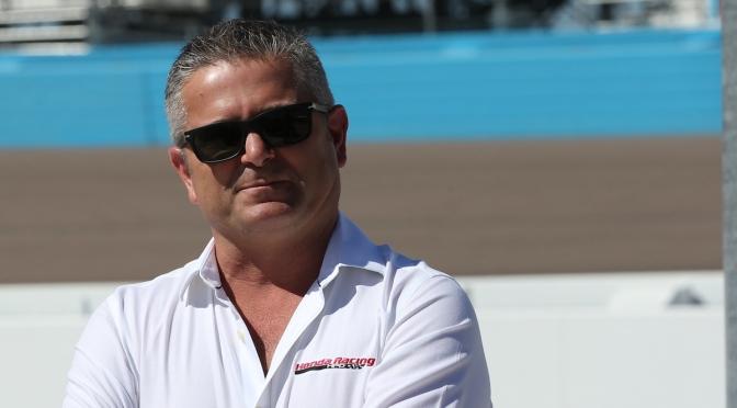 De Ferran dejó McLaren en serie de cambios dentro de AMSP