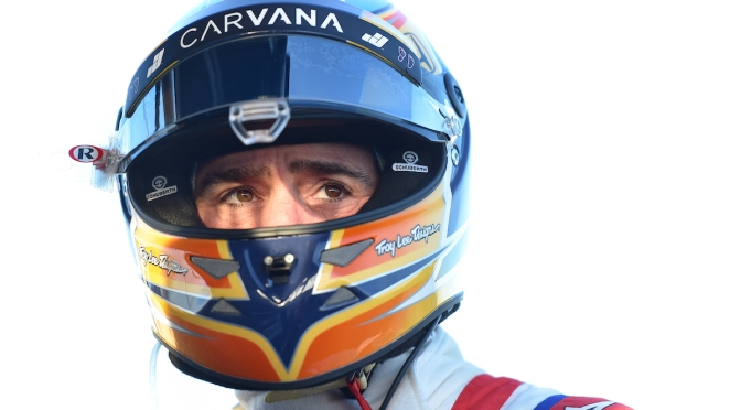 Johnson, a horas del debut en INDYCAR