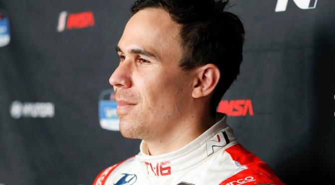 Wickens manejó un auto de carreras por primera vez