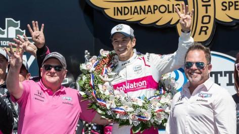 Helio Castroneves con Jim Meyer y Michael Shank (FOTO: Meyer Shank Racing)